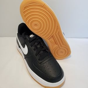 Nike Air Force 1 GS Leather Low Black White 5Y